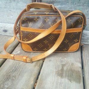 Louis Vuitton vintage handbag authentic
